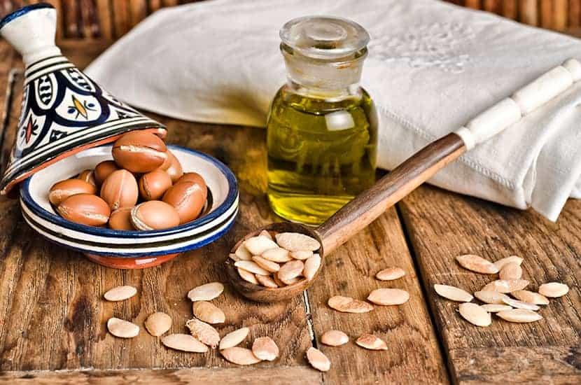 L'olio di argan è usato come agente antibatterico e antinfiammatorio